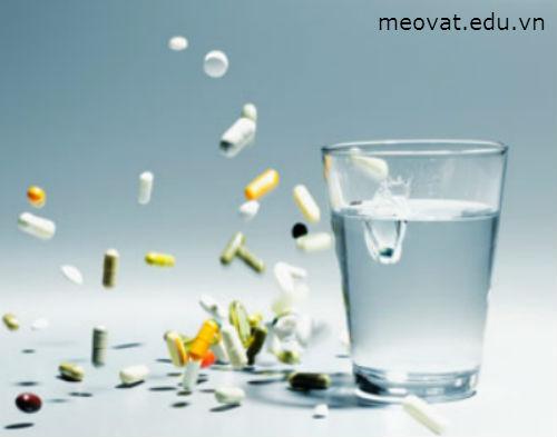 Dùng thuốc kháng sinh giảm đau do răng khôn đem lại