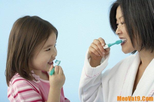 Đánh răng là thoái quen bảo vệ sức khỏe cần thiết