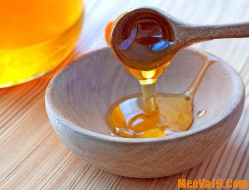 Mật ong là nguyên liệu làm đẹp được sử dụng phổ biến