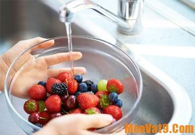 Rửa đúng cách là cách tẩy sạch hóa chất trên rau quả