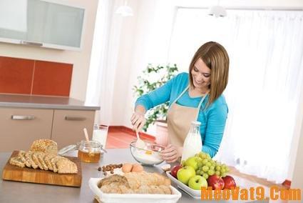 Mẹo vặt nhà bếp hay nhất cho bà nội trợ