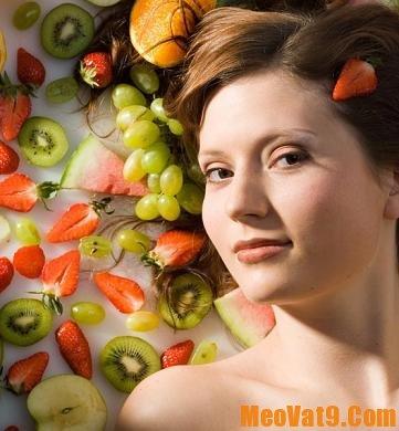 Thực hiện chế độ dinh dưỡng hợp lý cũng là cách giúp mái tóc thêm đẹp hơn