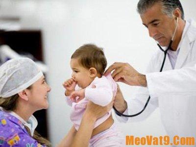 Mẹo hay giúp trẻ hạ sốt nhanh tại nhà