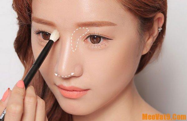 Mẹo trang điểm để sống mũi cao hơn