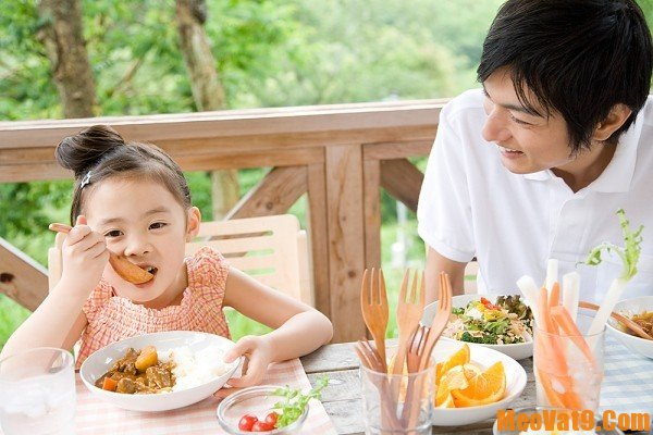 Mẹo trị biếng ăn ở trẻ