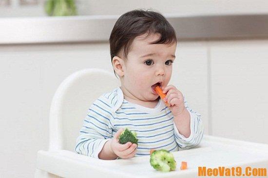 Bé ăn đủ rau quả sẽ giúp da khỏe mạnh và hồng hào