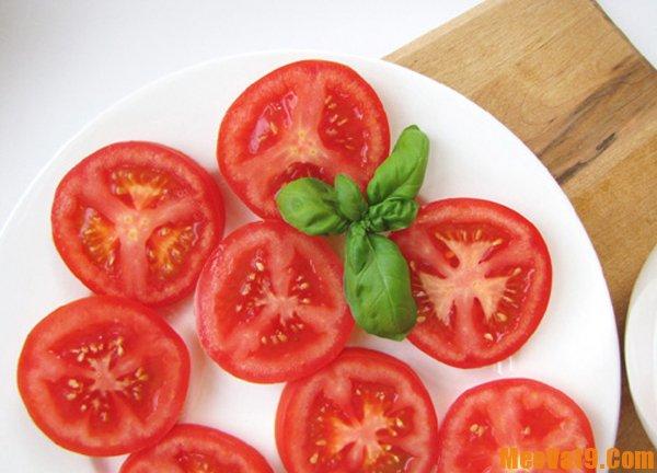 Hướng dẫn cách cắt cà chua nhanh va đơn giản