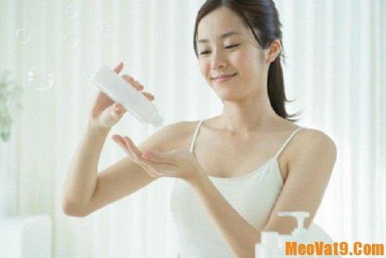 Dưỡng ẩm là một nguyên tắc chăm sóc da không thể thiếu