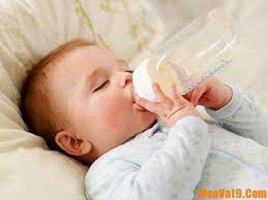 Mẹo giúp răng bé chắc khỏe sáng bóng