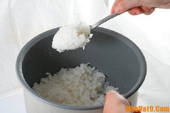 Cách hấp cơm nguội ngon
