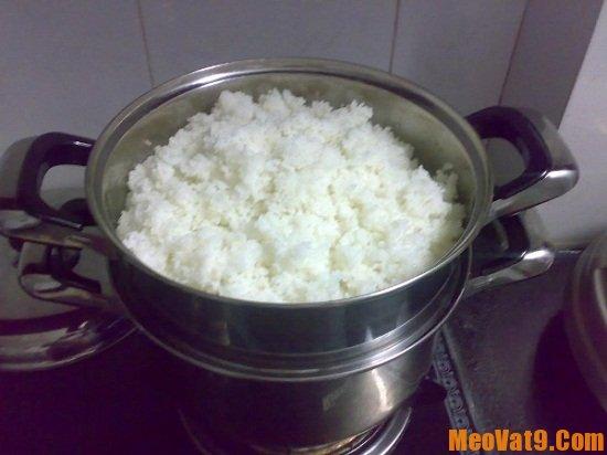 Hướng dẫn hấp cơm nguội ngon như cơm mới nấu