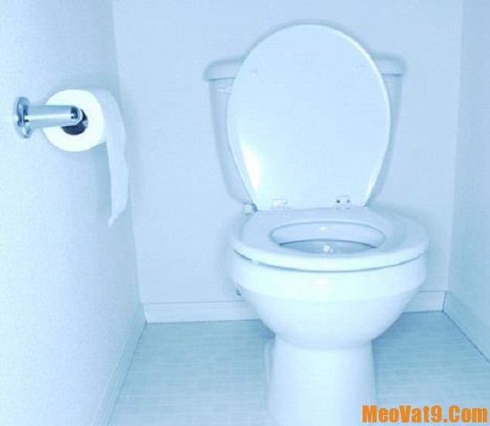 Mẹo sử dụng và vệ sinh bồn cầu đúng cách