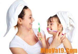 Chải răng đúng cách là một bước quan trọng giúp răng chắc khỏe