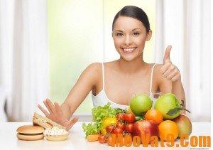 Hàm răng chắc khỏe sáng bóng với chế độ ăn nhiều rau quả tươi
