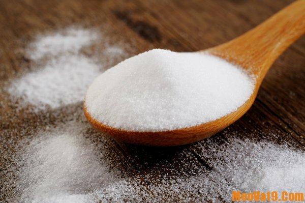 Dùng bột nở (Baking soda) để tẩy rửa dầu mỡ hiệu quả