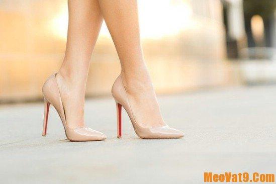 Mẹo đi giày cao gót không bị đau chân