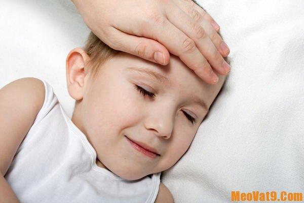 Cách xử lý khi trẻ bị sốt co giật