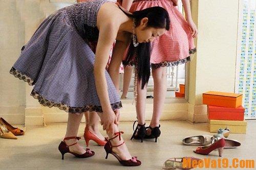 Mẹo đi giày dép bền lâu nhất, làm sao để giữ gìn giày dép được lâu nhất