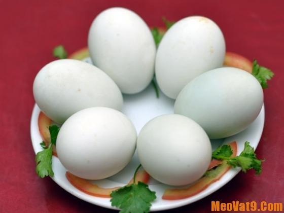 Cách luộc trứng không bị nứt, dễ bóc vỏ