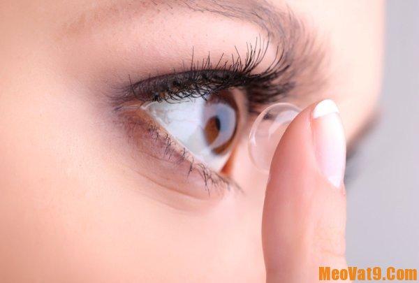 Cách đeo kính áp tròng an toàn, đúng cách: Làm sao để đeo kính áp tròng?