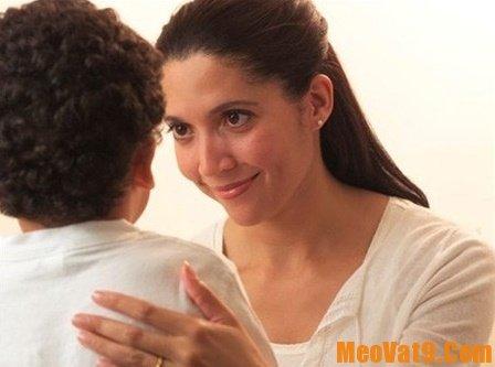 Cách giúp kiềm chế để không quát mắng con, hướng dẫn cách kiềm chế cơn bực tức khi dạy trẻ