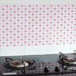 Mẹo tẩy mảng bám tường bếp cực nhanh và sạch