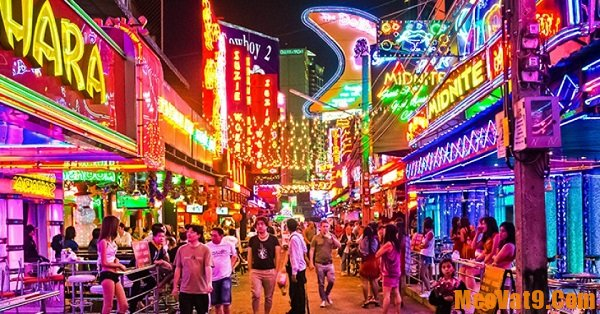 Lịch trình du lịch Bangkok 1 ngày: Soi Cowboy - khu phố đèn đỏ nổi tiếng ở Bangkok