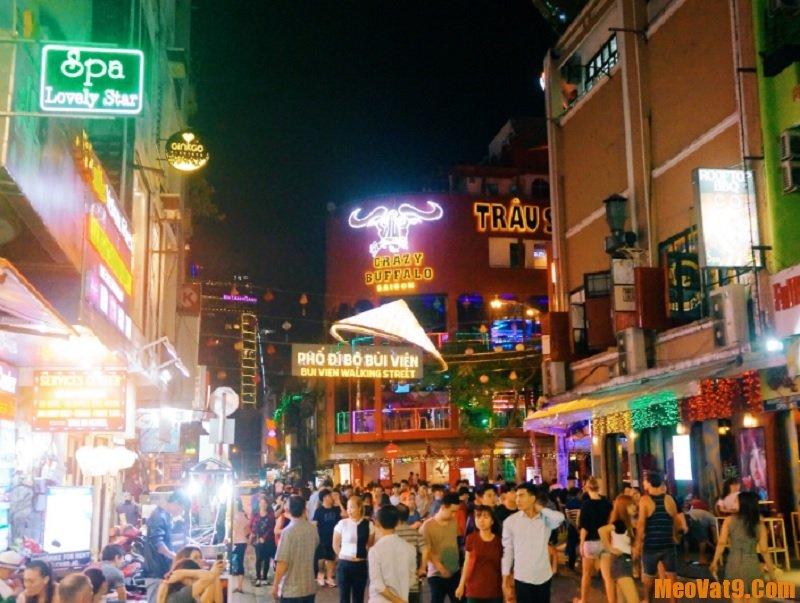 Du lịch Sài Gòn nên đi đâu? Phố Bùi Viện