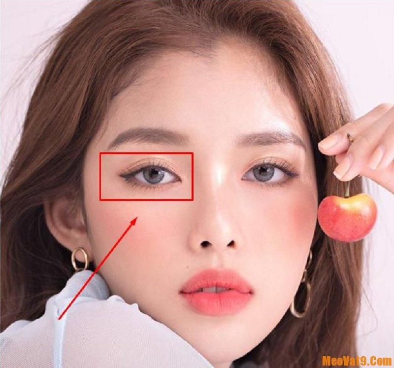 Nháy mắt phải là điềm báo gì? Nữ nháy mắt phải tốt hay xấu?